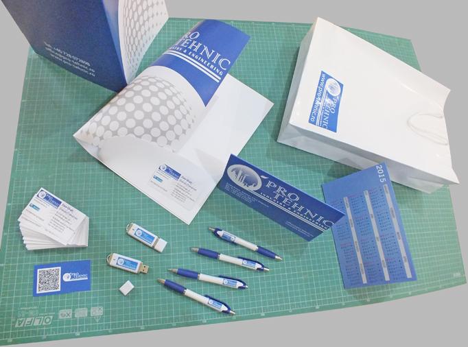Creatie grafiica, print & cut si aplicare